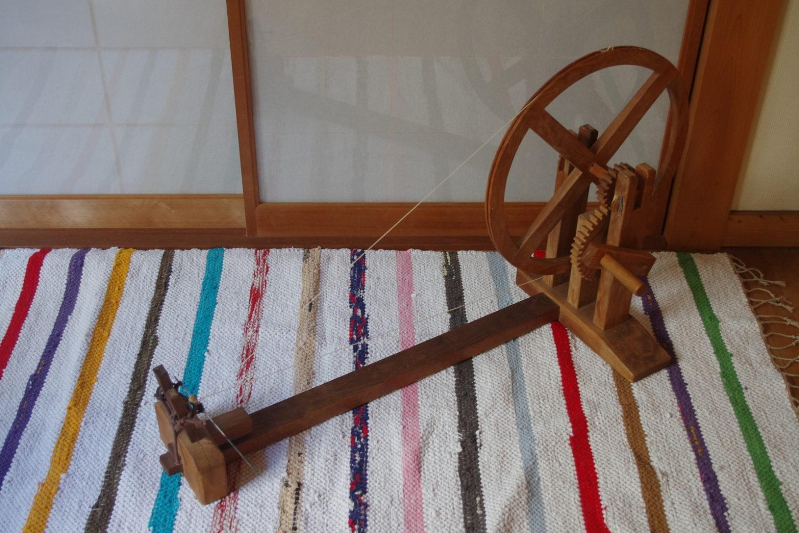 糸紡ぎ機じゃない?